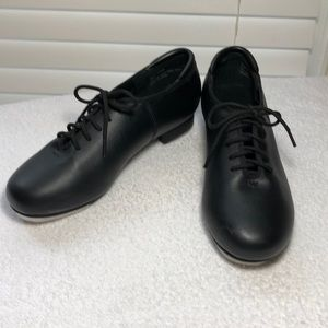 Theatricals Shoes - Theatricals woman's tap shoes